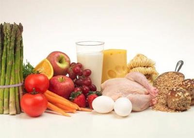 97 12 Bà mẹ sau sinh nên và không nên ăn gì?