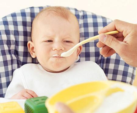 chua be bieng an 8 sai lầm khiến bé biếng ăn và cách khắc phục