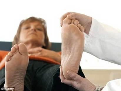 698196 Tìm hiểu về các nguyên nhân gây nên bệnh gout