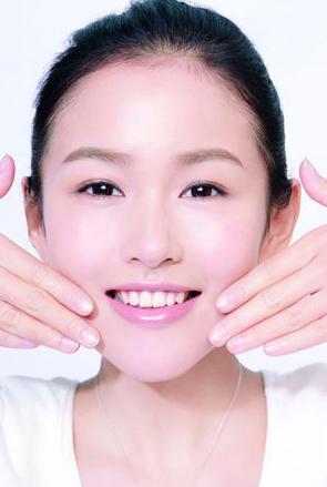 Các bước massage chăm sóc da mặt mỗi ngày